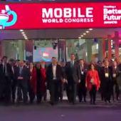El Rey inaugura el Mobile World Congress acompañado por Ada Colau y representantes de la Generalitat