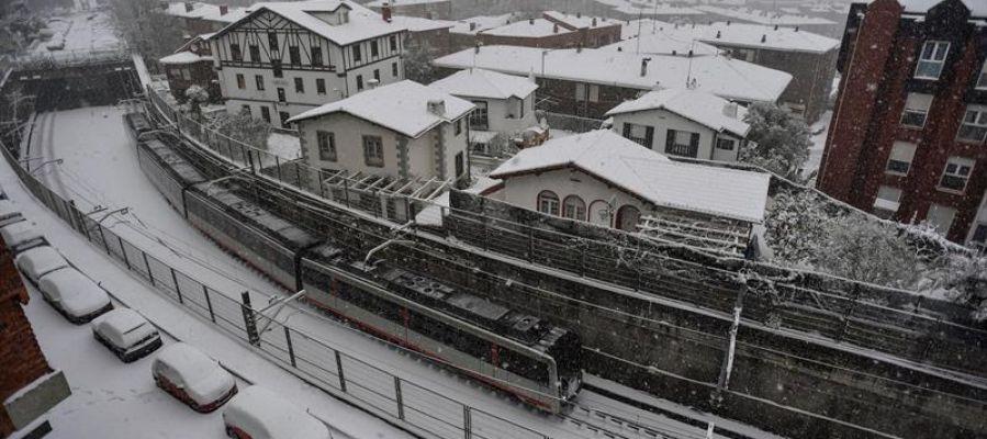 El temporal de nieve llega a Bilbao