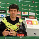 Pacheta, en su rueda de prensa previa al partido ante el Llagostera.