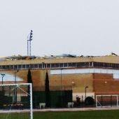 Desperfectos en la cubierta del pabellón del Polideportivo Rey Juan Carlos