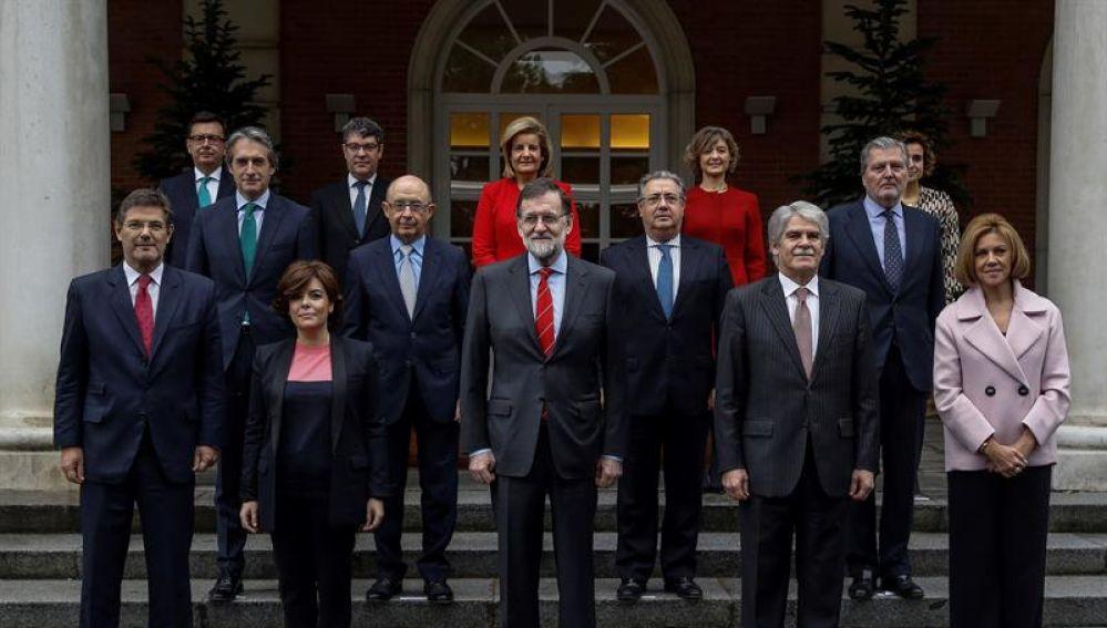 Mariano Rajoy y el resto del Ejecutivo, con la incoporación de Román Escolano como nuevo ministro de Economía