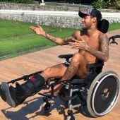 Neymar, en silla de ruedas