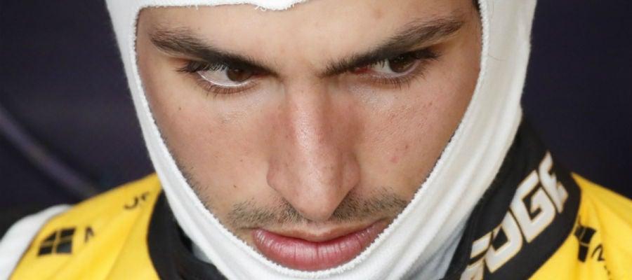 Carlos Sainz, con gesto serio