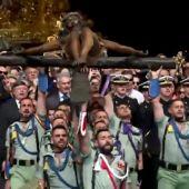 Así ha sido el traslado del Cristo de Mena por la Legión