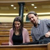 Pablo Iglesias e Irene Montero en el Congreso de los Diputados