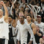 Los jugadores de los Spurs.