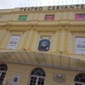 Fachada del Teatro Cervantes durante el Festival de Málaga