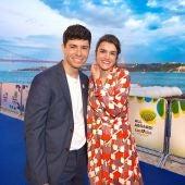 """Alfred y Amaia en la """"alfombra azul"""" que dio comienzo a Eurovisión"""