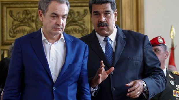 """Las preguntas de Amón:  """"¿No os nos escandaliza que Zapatero haya ido a Venezuela a legitimar el pucherazo de Maduro?"""""""