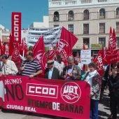 Concentración de los sindicatos frente a la sede de FECIR