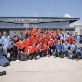 La plantilla a su llegada al aeropuerto Huesca- Pirineos