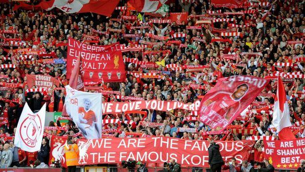 Más de mil aficionados del Liverpool con entrada y vuelo no pueden llegar a Kiev por problemas entre autoridades inglesas y ucranianas
