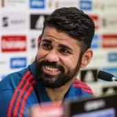 Diego Costa sonríe en rueda de prensa
