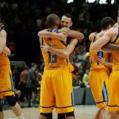 Los jugadores del Herbalife Gran Canaria celebran su clasificación a semifinales.