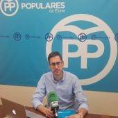 El concejal Sergio Rodríguez en el Grupo Municipal del PP en Elche