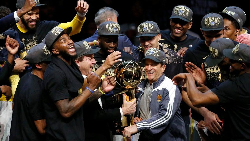 Los Warriors celebran su título NBA