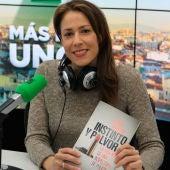 Silvia Barrera en los estudios de Onda Cero