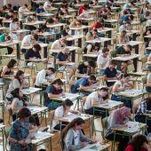 Cientos de estudiantes realizan las pruebas de acceso a la universidad