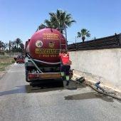 Una empresa especializada ha procedido a la limpieza del pozo afectado por el vertido de aguas fecales en Elche