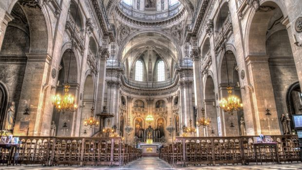 Imagen de archivo de una iglesia católica