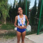 La atleta Lorena Lumbuley, medalla de plata en el Campeonato de España Sub-20 celebrado en Murcia.