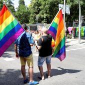 Banderas del arcoíris antes de la manifestación del Orgullo LGTBI de 2018