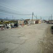 Camino de acceso al poblado chabolista de Son Banya (Palma).