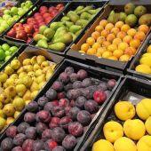 Imagen de frutas en un supermercado