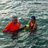 Rescatan a una cría de delfín en Murcia