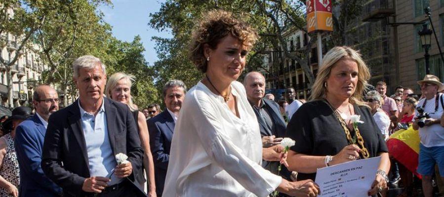 Dolors Montserrat en el homenaje a las víctimas de Barcelona y Cambrils