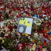 Noticias de la Mañana (17-08-18) Emotivo homenaje en Las Ramblas a las víctimas de los atentados de Barcelona y Cambrils