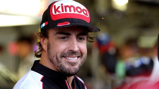 Fernando Alonso, sonriente en Silverstone