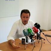 Pablo Ruz compareciendo en rueda de prensa en la sede del Partido Popular.