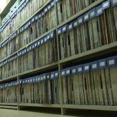 Música, poemas, cuentos e incluso discursos históricos: miles de vinilos esperan ser clasificados en la Biblioteca Nacional