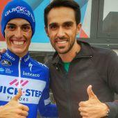 El ciclista Alberto Contador, con Enric Mas.