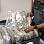 Marihuana en una de las malestas interceptadas por la Guardia Civil