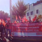 Concentración de protesta frente a Félix Solís de Valdepeñas