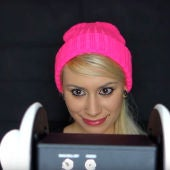 Frame de un vídeo de youtube ASMR de Jennifer Allen