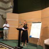 La alcaldesa de Castellón, Amparo Marco, presenta el saneamiento de las cuentas del consistorio.