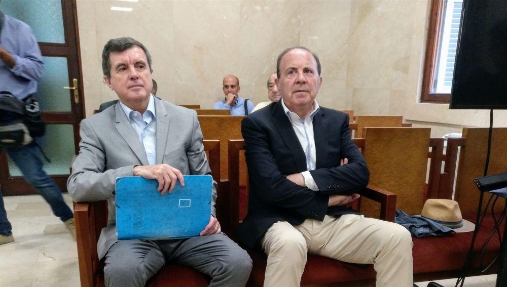 Jaume Matas y José María Rodríguez en la Audiencia Provincial de Baleares