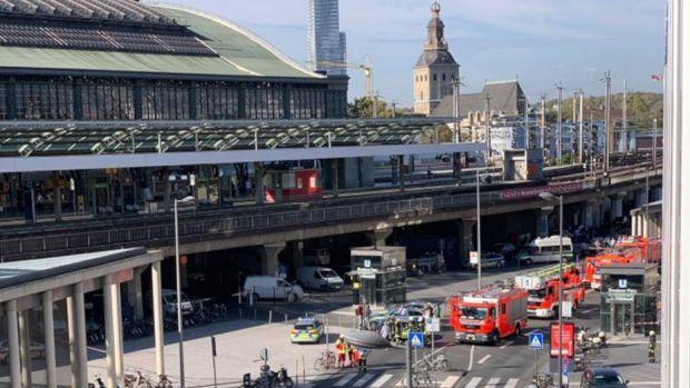 Toma de rehenes en la principal estación de tren de Colonia