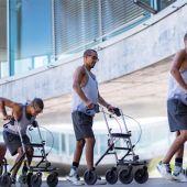 La estimulación eléctrica permite andar a tres personas con lesión medular