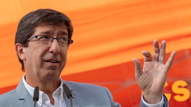 """Rubén Amón indulta a Juan Marín: """"Aparece custodiado por Arrimadas y Rivera como no se lo creyera ninguno de los tres"""""""