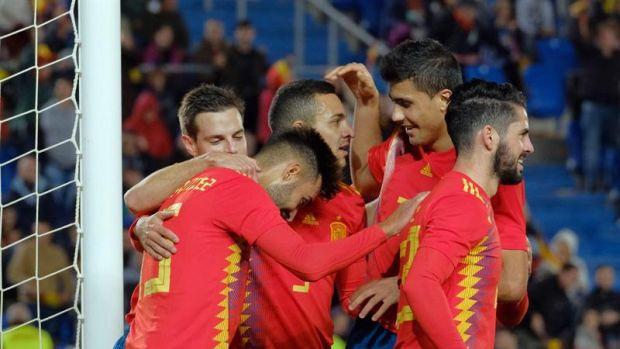 España celebra el gol de Brais