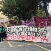 Pancarta en la concentración del Ampa del CP La Paz de Torrellano de Elche