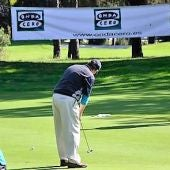 Un jugador de golf en uno de los torneos organizados por Onda Cero.
