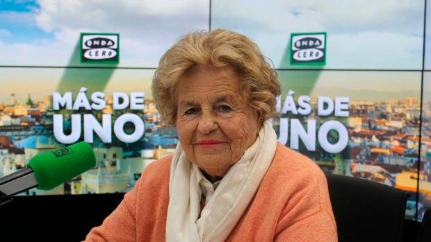 Cosas de abuelas: El bombero que conquistó a Rosa Laviña y a sus hijas