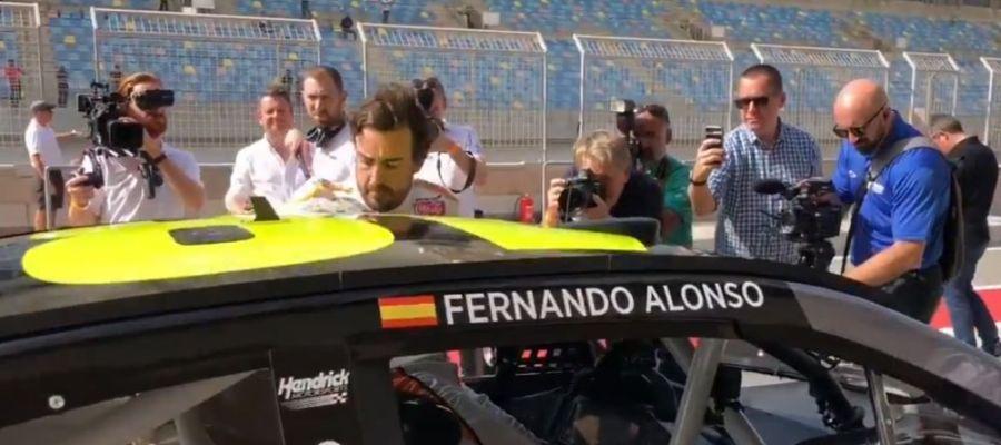 laSexta Deportes (26-11-18) Fernando Alonso se sube al Chevrolet ZL1 de la NASCAR en Baréin
