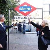 Ángel Garrido y Rosalía Gonzalo anunciando el cambio del nombre de la estación Metropolitano