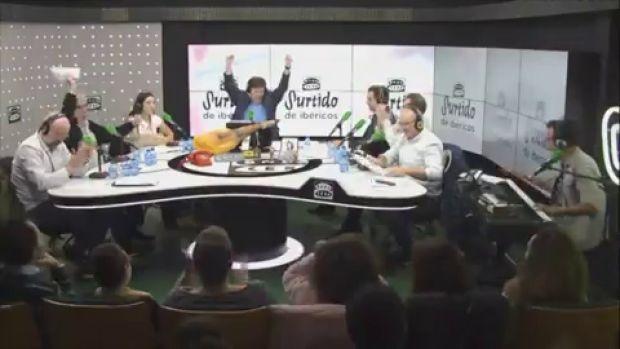 La canción de 'Cena de empresa' versionando 'Aires de fiesta' de Karina